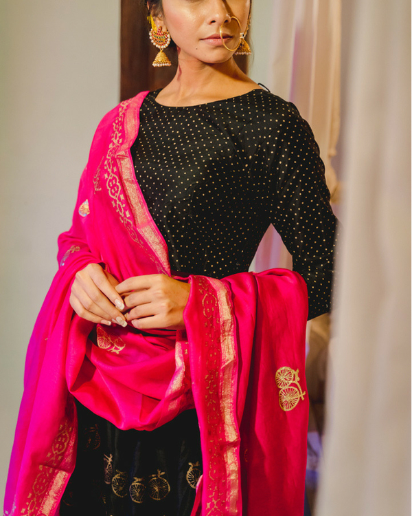 Black chanderi lehenga set with dupatta 2