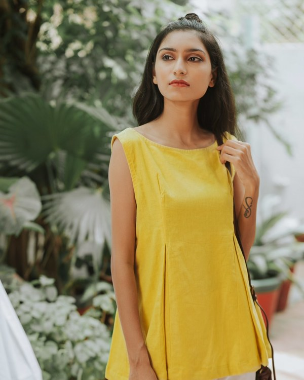Pleated yellow top 1
