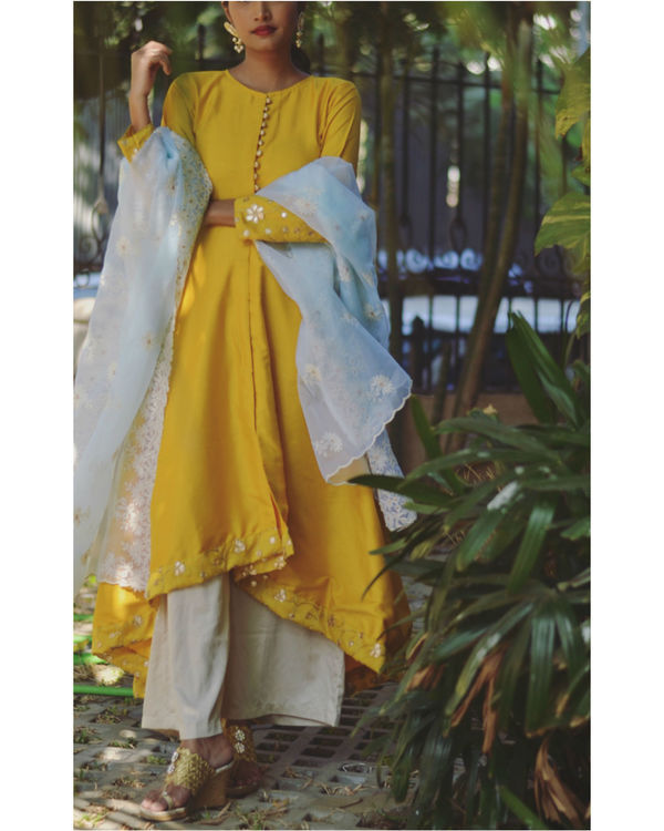 Yellow gold dress with dupatta 2