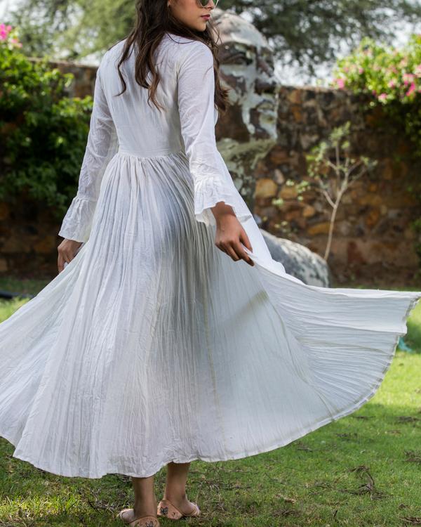 Crinkle ivory dress 1