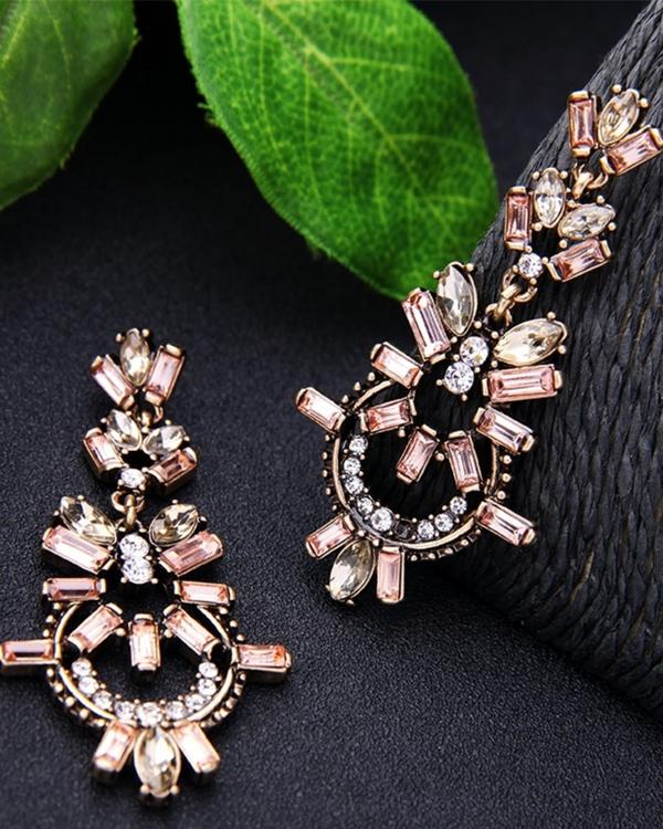 Pink geometric earrings 1