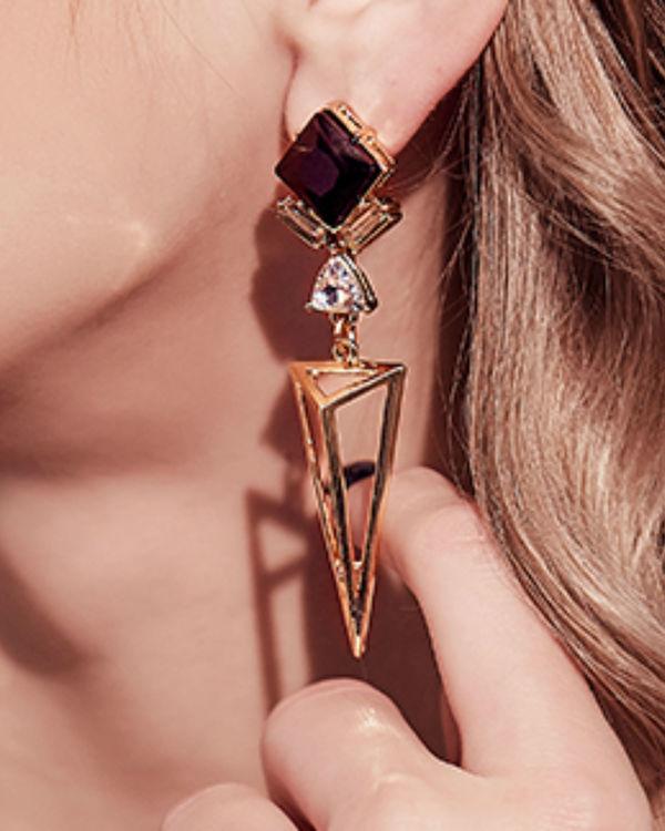 Triangle black drop earrings 1