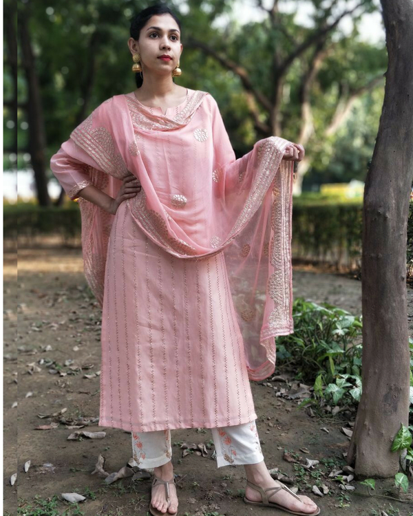 Peach zari embroidered kurta set 1