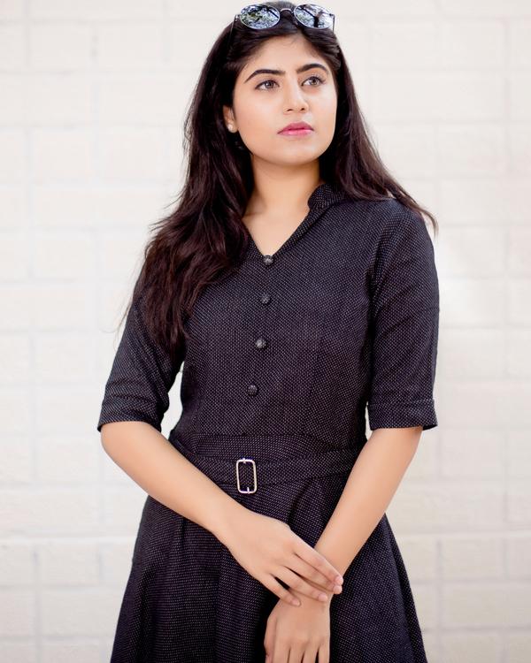 Black buttoned midi flared dress 1