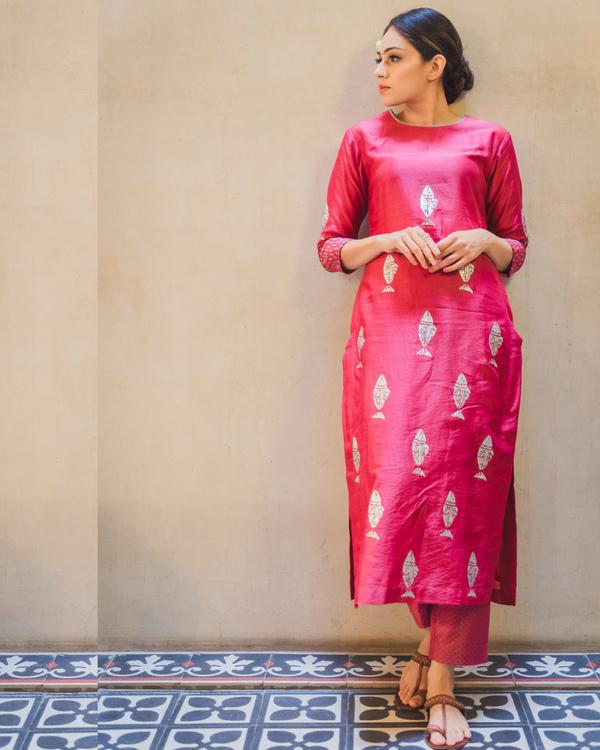 Pink fish print kurta set with dupatta 2