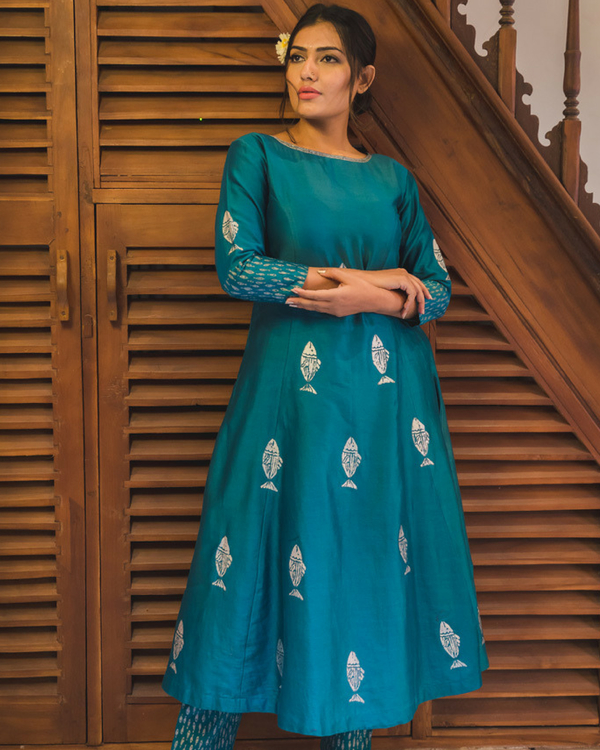 Turquoise blue fish print kurta set with dupatta 1