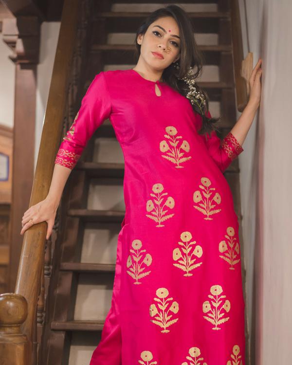 Pink mughal bootah chanderi kurta set with dupatta 1