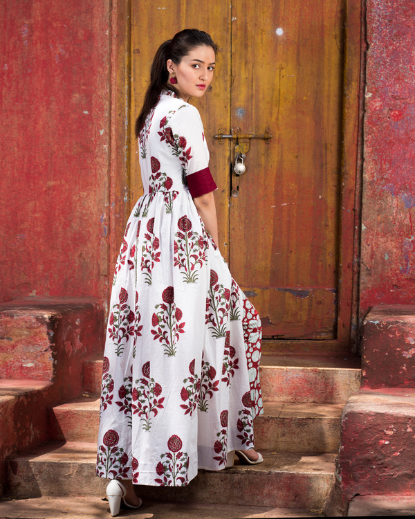 Maroon mughal boota printed cape with pants 1