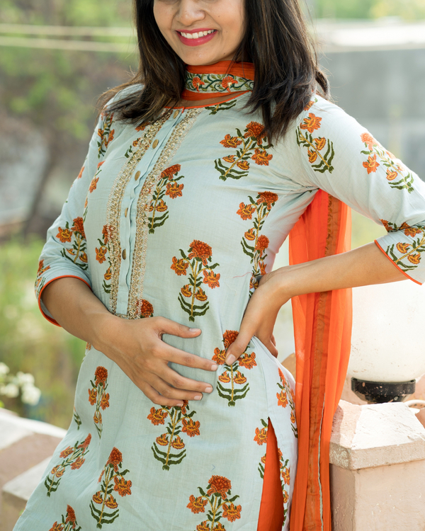 Orange boota kurta set with dupatta 2