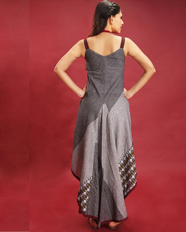 Asymmetric sleeveless grey maxi 2