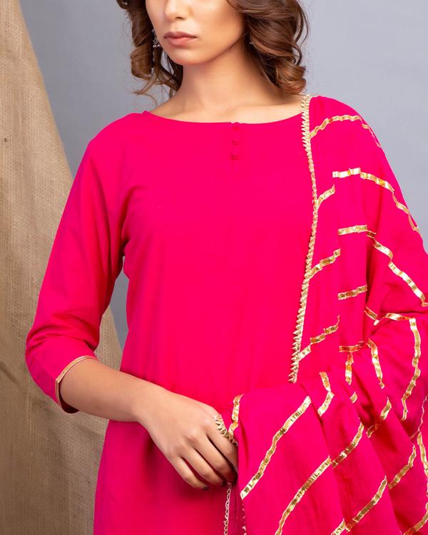 Magenta gota detailed kurta set with dupatta 2