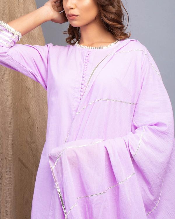 Lavender gota detailed straight kurta set with dupatta 1