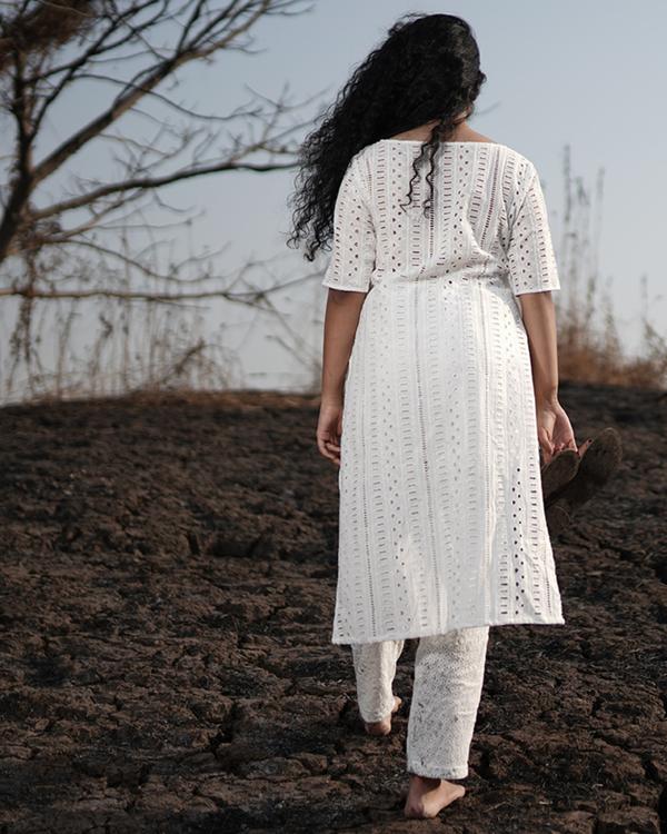 White embroidered cotton kurta 1