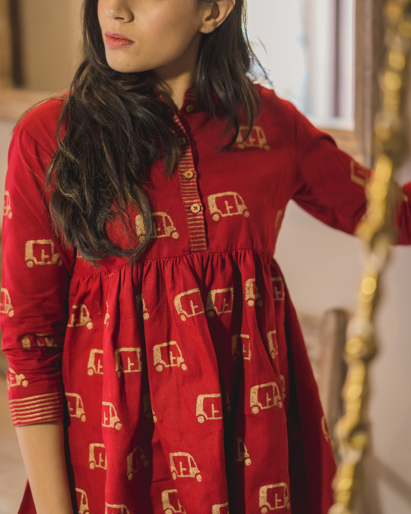Red chanderi flared top 1