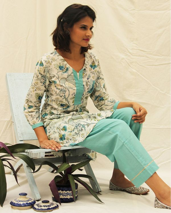Blue floral suit set with straight pants- set of two 1