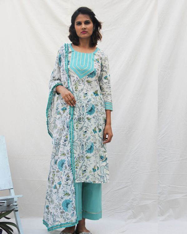 Floral print kurta with pants and printed dupatta- set of three 2