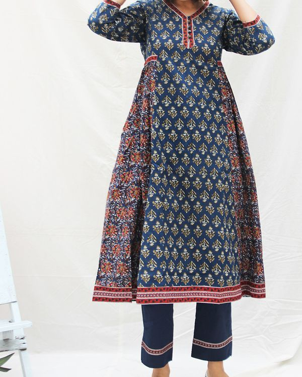 Navy blue printed kurta with straight pants- set of two 2