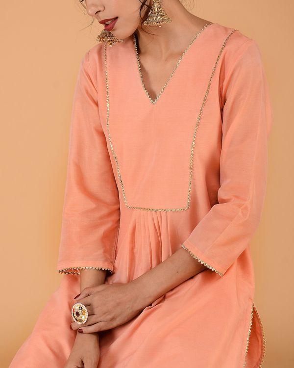 Peach chanderi pleated kurta set with straight pants - set of two 2
