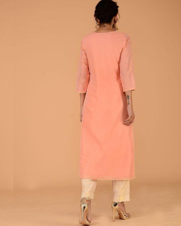 Peach chanderi pleated kurta set with straight pants - set of two 3