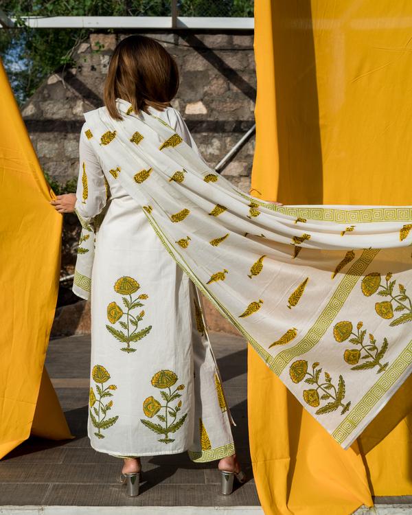 Yellow and Green Mughal Boota Printed Dupatta Set - Set of 3 2