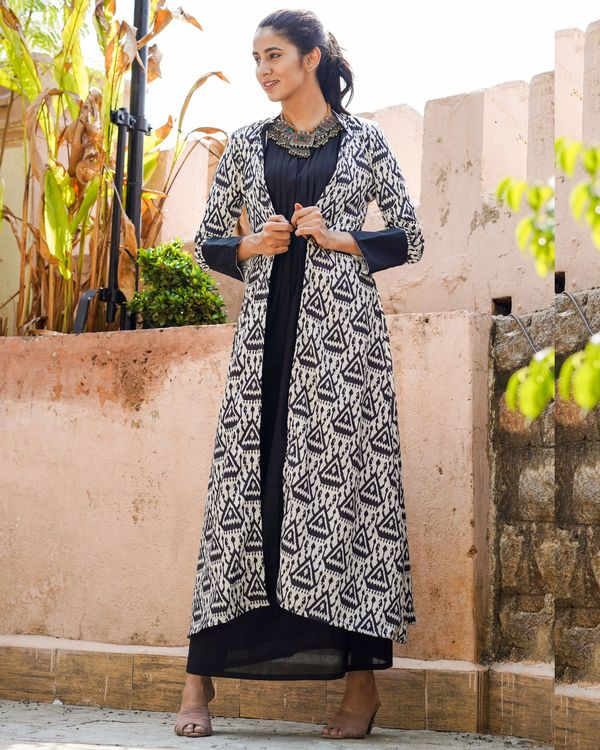 Black and white ikat printed jacket with dress - set of two 3