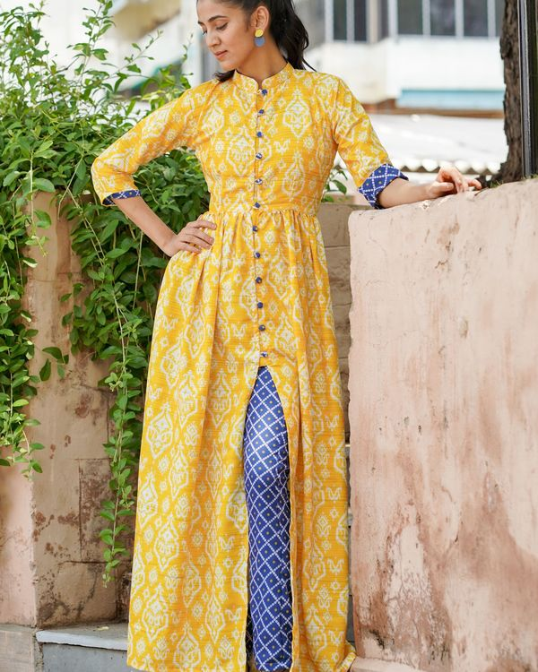 Yellow printed cape top with bandhani print pants - set of two 1