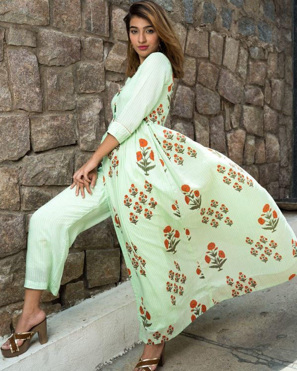 Self striped mint green printed boota cape with pants- set of two 1