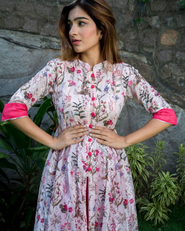 Floral printed cotton silk cape  with thread embroidery 2