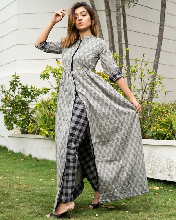 Grey ikkat cape with black checks pants - Set of Two 1