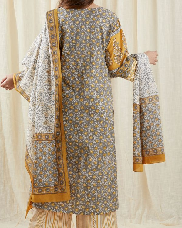 Grey chinar suit set - set of three 1