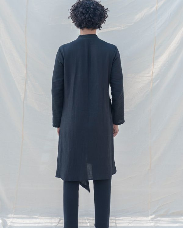 Black colored cotton kurta 3
