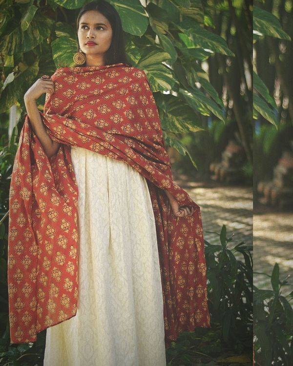 White long dress with red jacket and dupatta - set of two 2