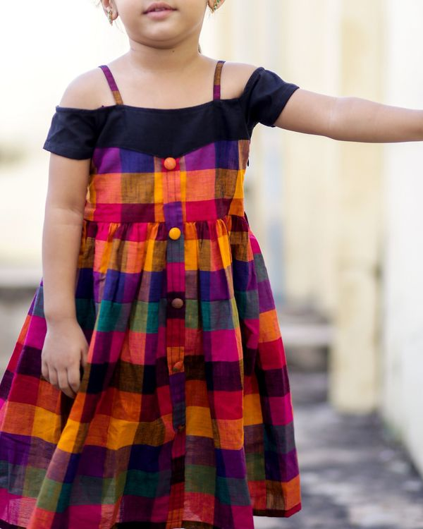 Off-shouldered checkered dress 2