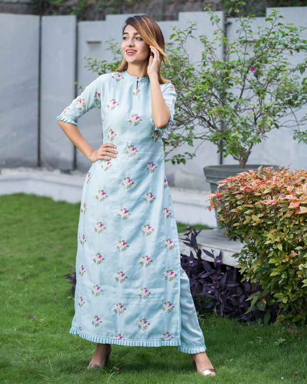 Powder blue embroidered kurta with pants - Set of Two 3
