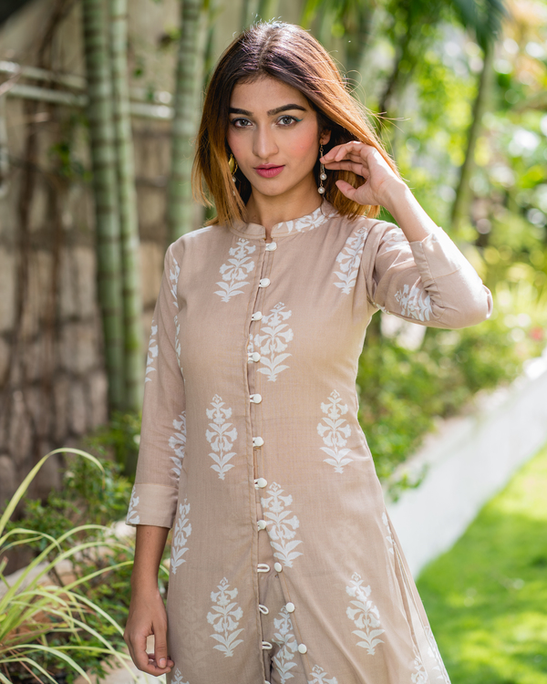 Beige Printed Kurta with Co-ord Pants - Set of Two 3