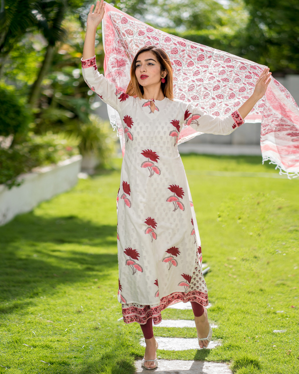 Block printed lotus kurta with printed kota dupatta - Set of Two 4