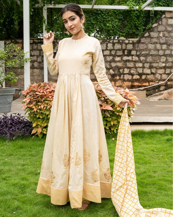Cream and Gold Flared Anarkali with Dupatta - Set of Two 4