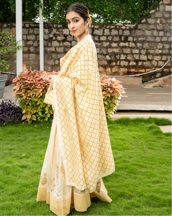 Cream and Gold Flared Anarkali with Dupatta - Set of Two 2