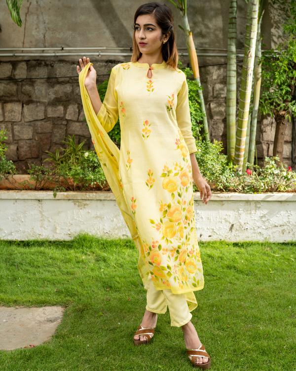 Yellow Hand Painted Kurta with Chanderi Dupatta - Set of Two 1