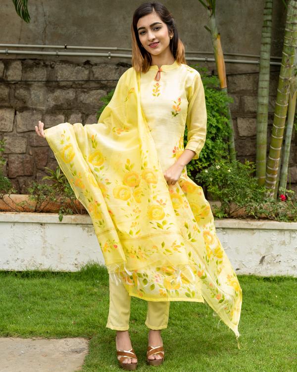 Yellow Hand Painted Kurta with Chanderi Dupatta - Set of Two 3
