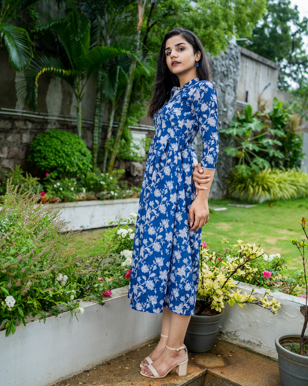 Blue printed dress with box pleats 1