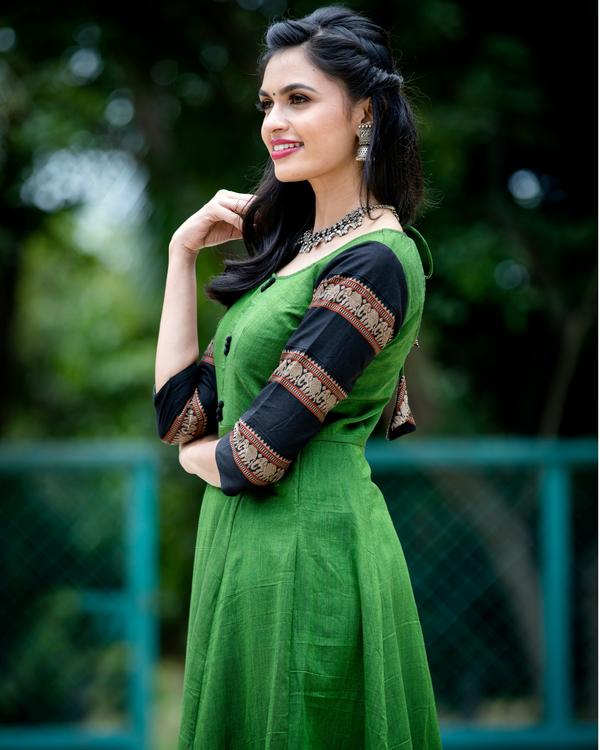 Emerald green narayanpet handloom dress 1