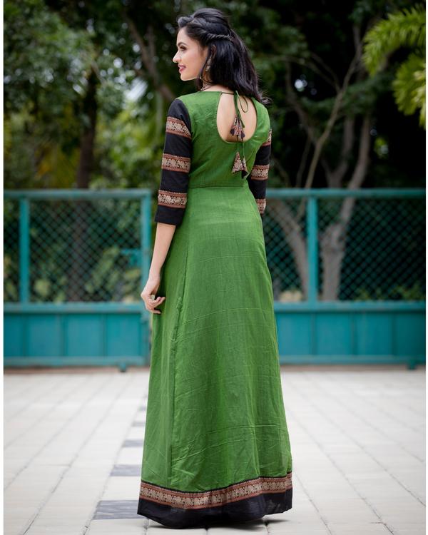 Emerald green narayanpet handloom dress 2