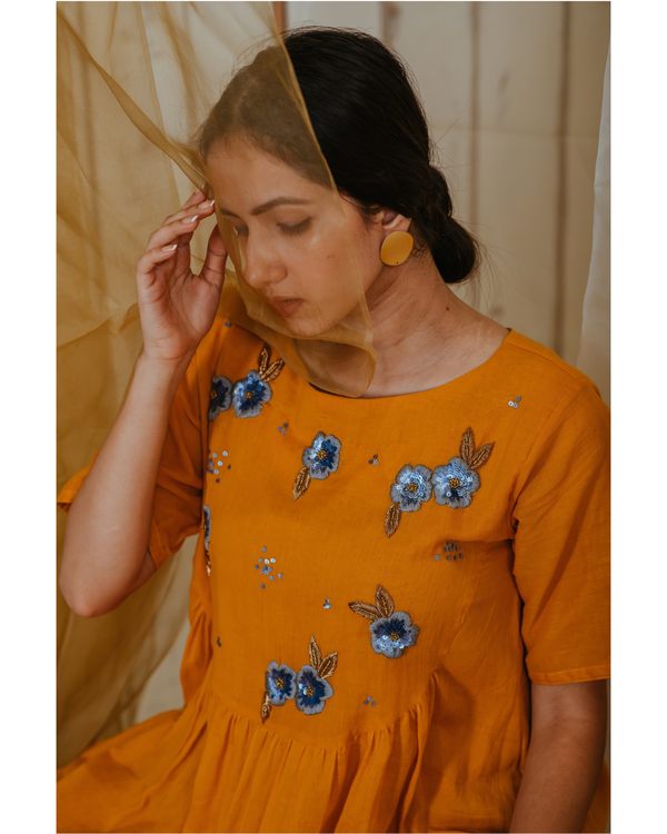 Amber grey embroidered tunic 3