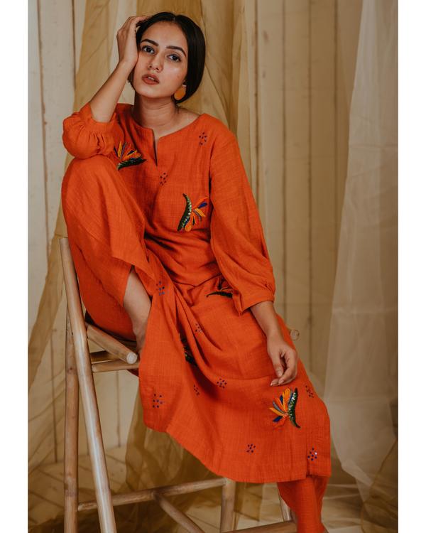 Tangerine birds of paradise embroidered kurta 3