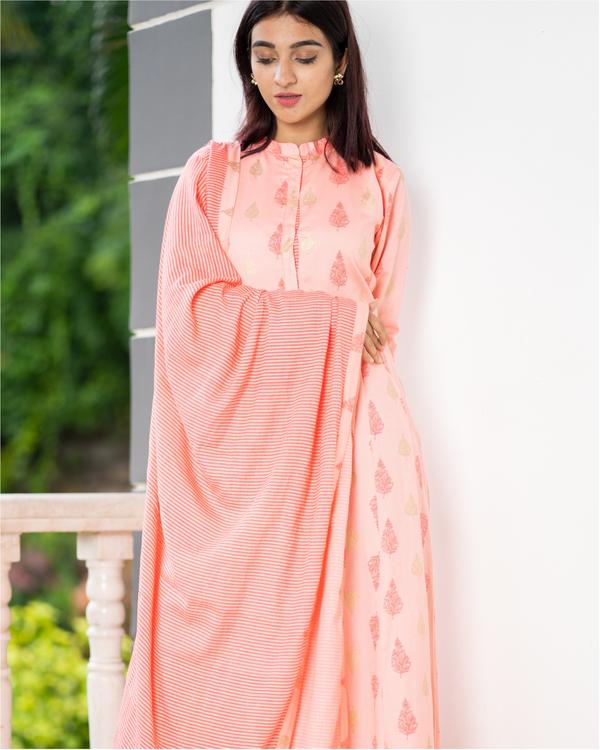 Salmon peach kalidaar dress with dupatta - set of two 1