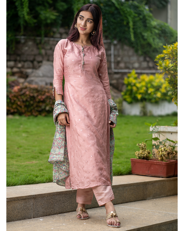 Salmon pink embroidered kurta with chanderi bird print dupatta - Set of Two 4