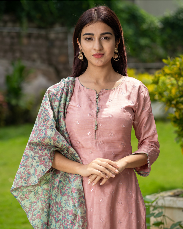 Salmon pink embroidered kurta with chanderi bird print dupatta - Set of Two 1