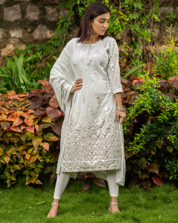 Grey gota work kurta with mirror work dupatta - set of two 4