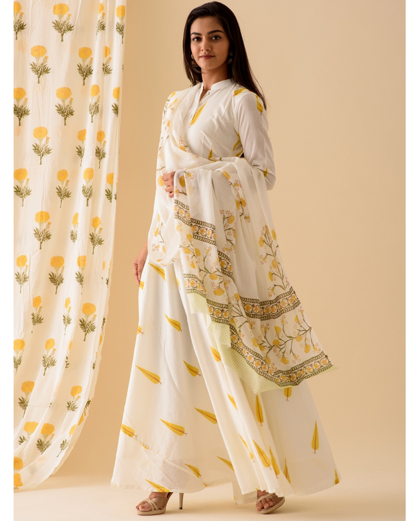 Yellow leaf printed anarkali with dupatta-set of two 2